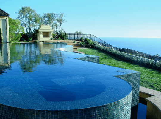 11 Amazingly Expensive Backyards You Would Die For