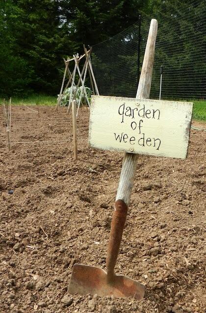 Garden Sign Ideas 10 funny garden signs Garden Of Weeden