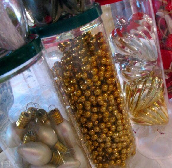 ways to organize Christmas ornaments